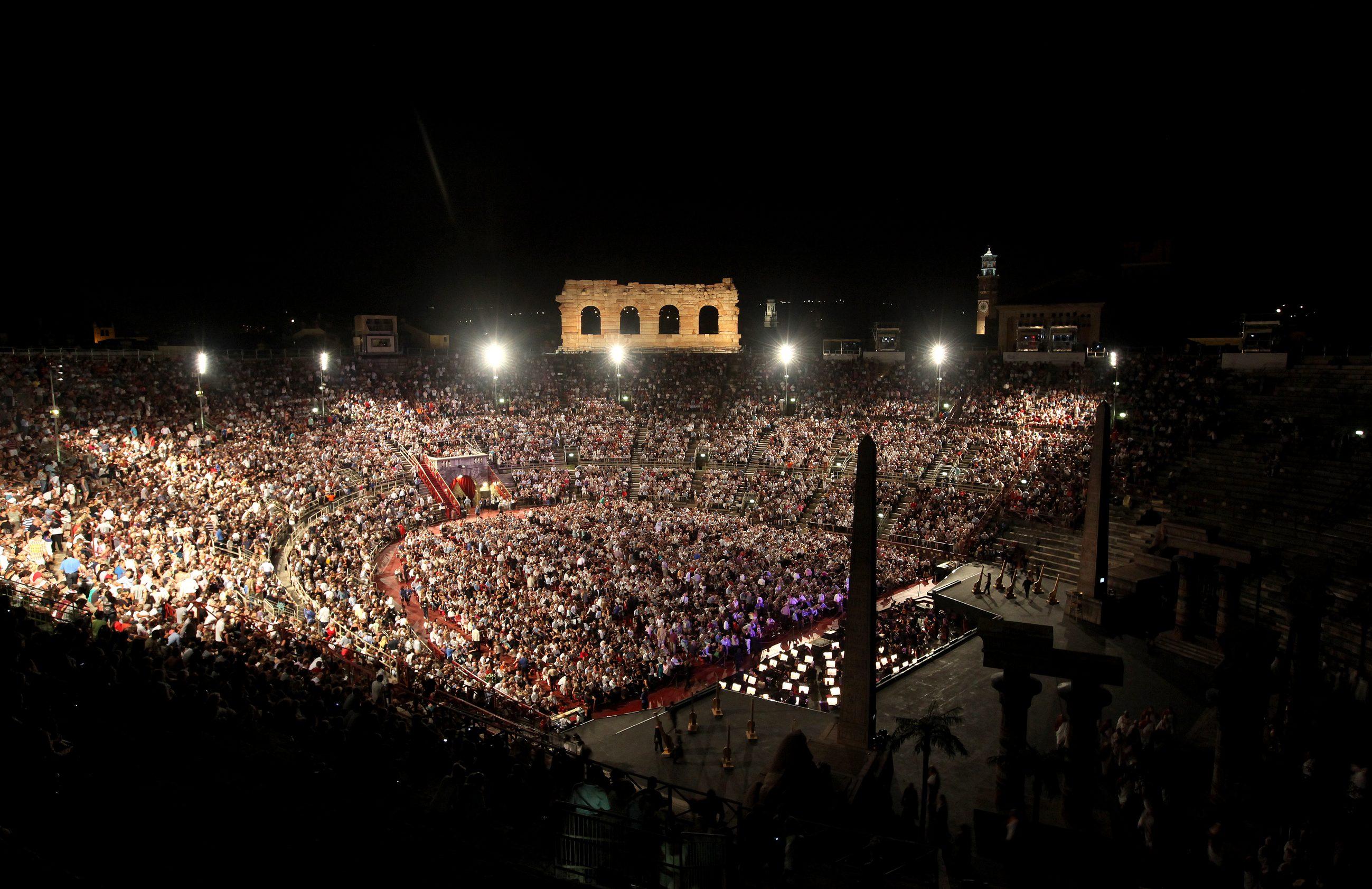 Macerata - Arena Sferisterio: Serata di Stelle per Mario Del Monaco