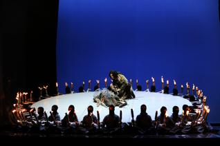 Estreno mundial de Tres desechos en forma de ópera en el Teatro Guindalera