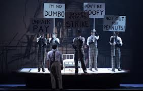 Totalitarismo musical: teatros contra críticos