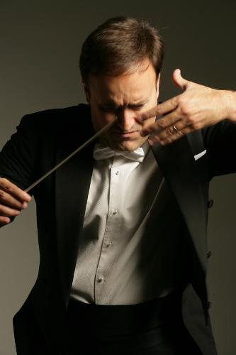 El británico Karel Mark Chichon estaría dispuesto a dirigir la Orquesta Sinfónica