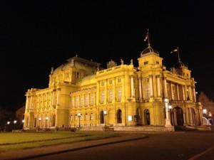 Opera Zagreb noche