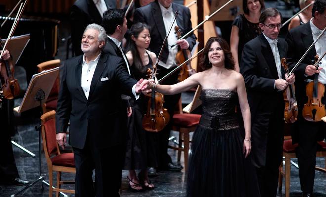 Plácido Domingo, criticado abierta y unánimemente por vez primera