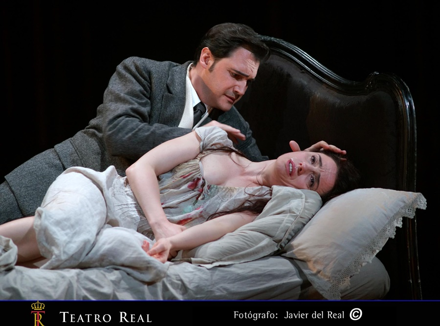 La Traviata se viste de luto en el Real
