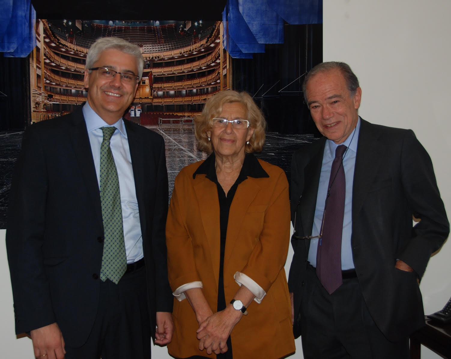 Manuela Carmena apoya el proyecto del Teatro Real