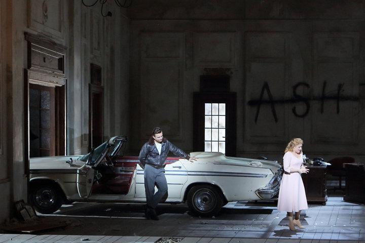 Una parodia de la ópera en video