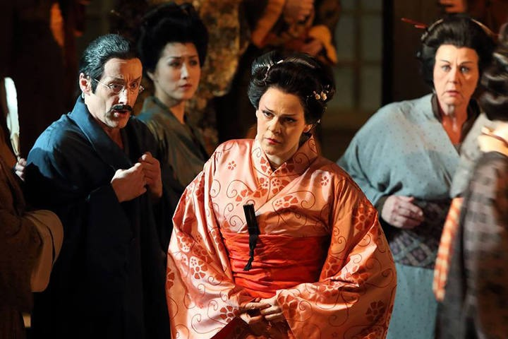Homenaje en la despedida  de Meier como Isolde