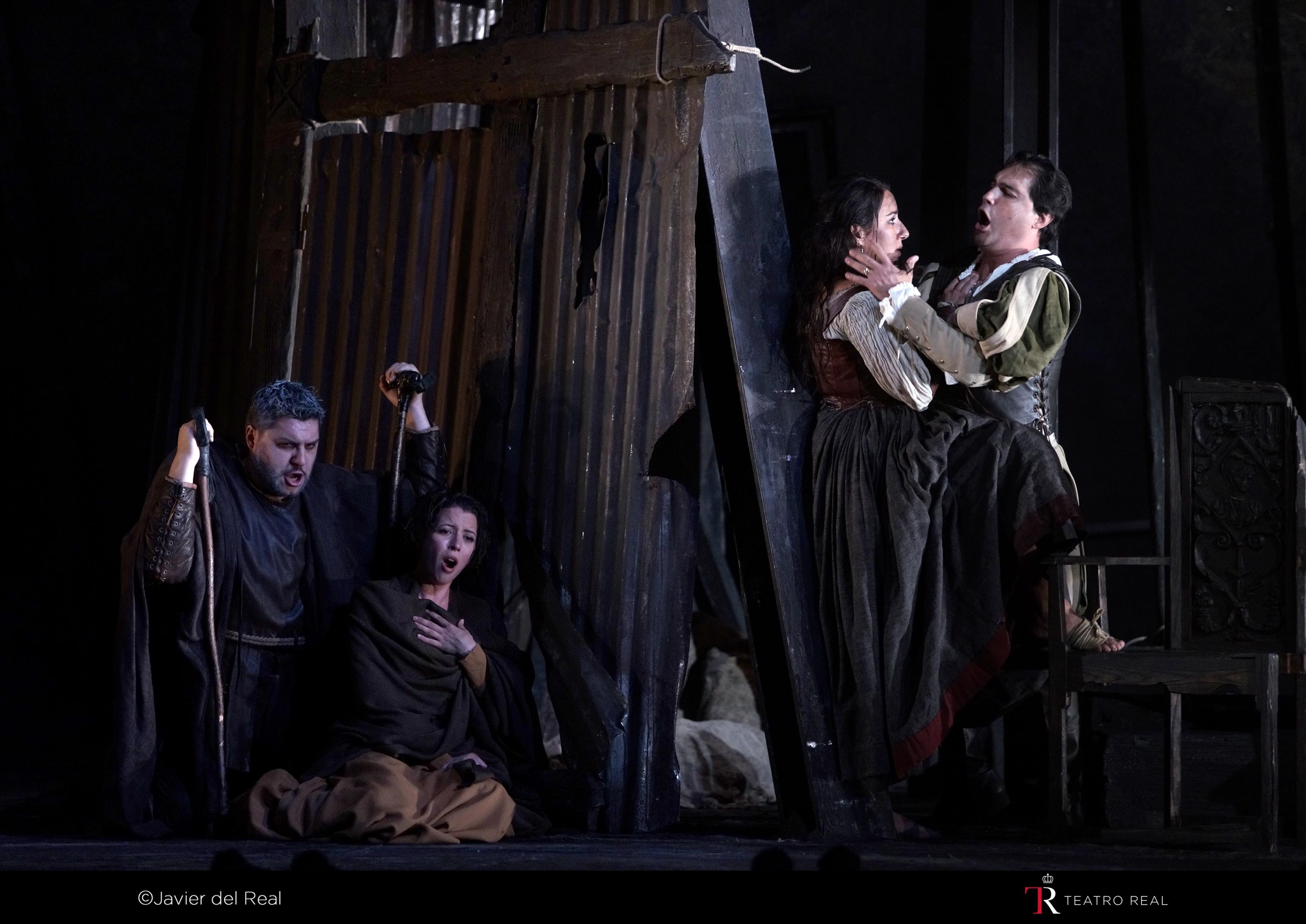 RIGOLETTO. T. REAL. 2015. REP. 2_page5_image2