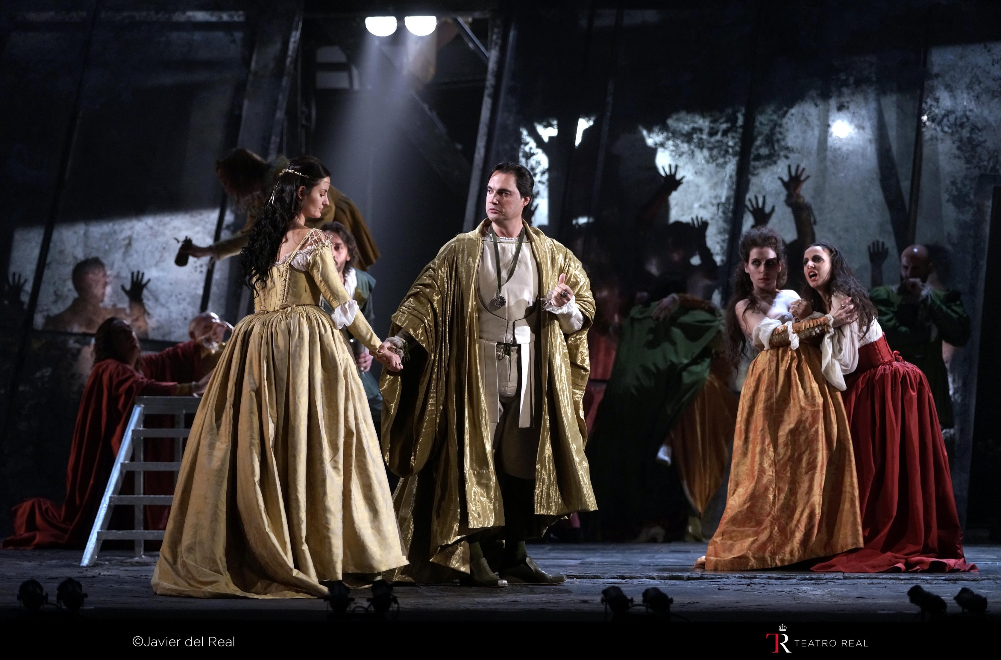 RIGOLETTO. T. REAL. 2015. REP. 2_page5_image5
