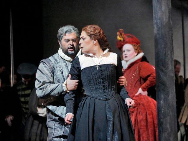 Celso Albelo (Leicester) Sondra Radvanovsky (Ma ria Stuarda) ©Ken Howard-Metropolitan Opera