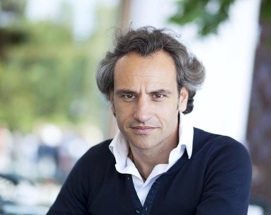 Crítica: Thomàs Ades con la ONE, creador de atmósferas