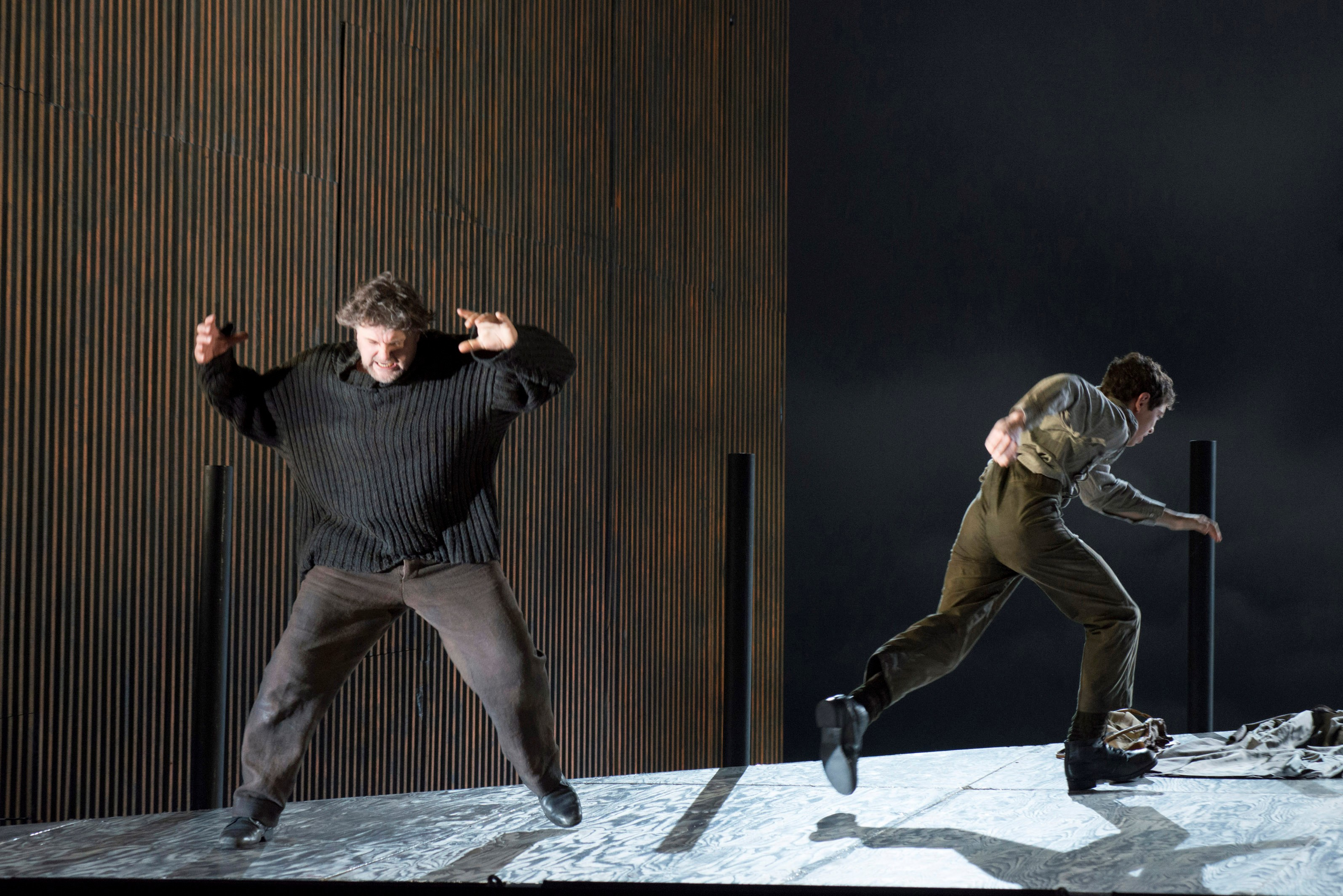 PETER GRIMES. BERLIN DO_page4_image3