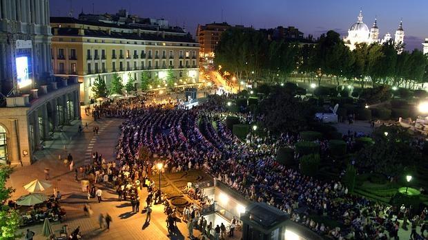 TeatroReal con público plaza