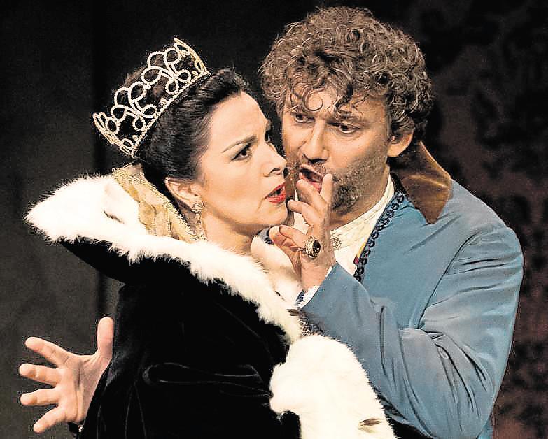 Tosca desaparece del escenario: ahora con video