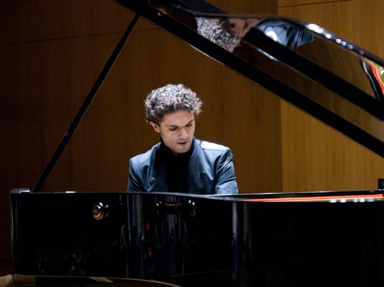 Eduardo Fernández, premio 'El Ojo Crítico' de RNE de Música Clásica