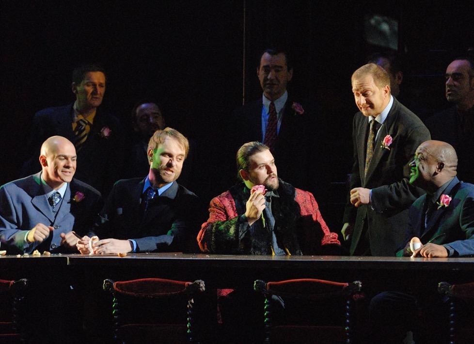 Comentarios prévios a Rigoletto de Oviedo