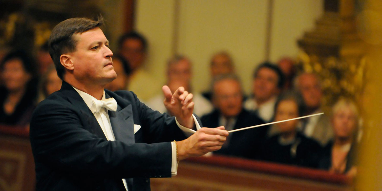 La Sinfónica de Galicia homenajea a su público