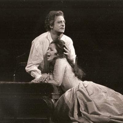 Medalla de honor de la Academia al Teatro Real