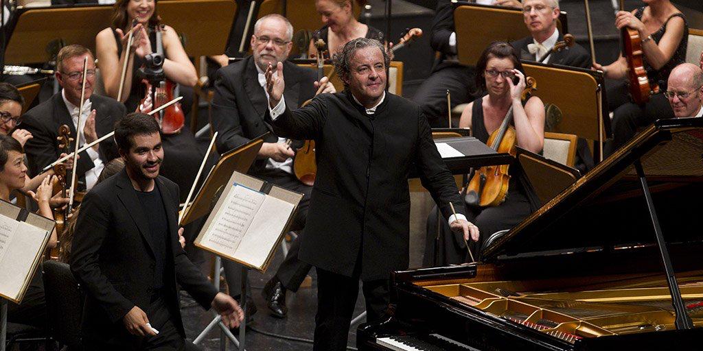 Juanjo Mena y la Orquesta de la BBC, bazas sólidas en Donostia y Santander