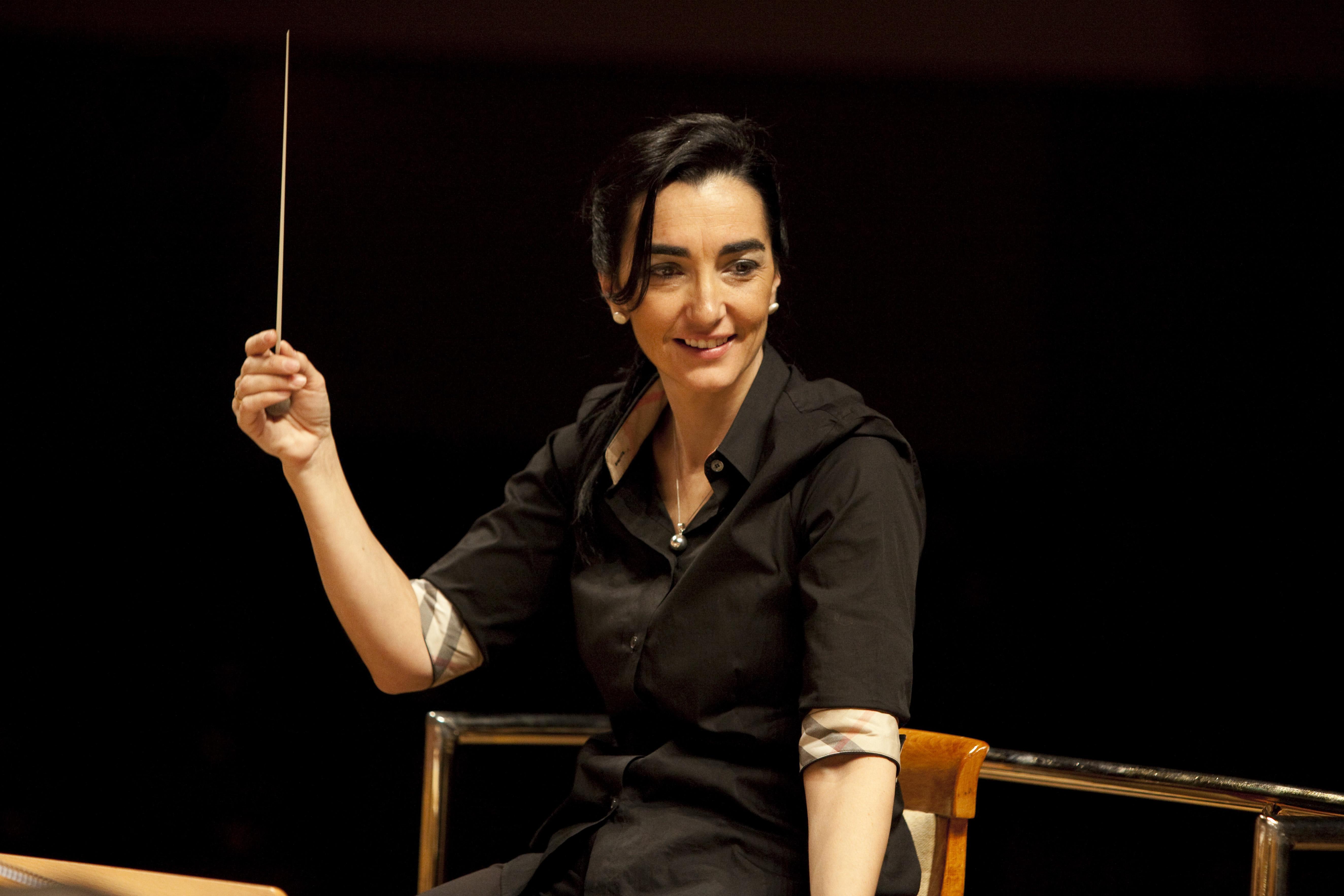 Silvia Sanz dirige la Orquesta Metropolitana y Coro Talía en un concierto dedicado a Shakespeare