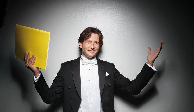 Gustavo Gimeno, un valenciano en la cumbre de la dirección de orquesta
