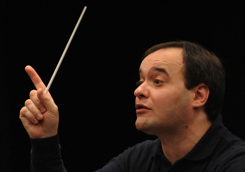 Scarano: titular de la Filarmónica de Tailandia