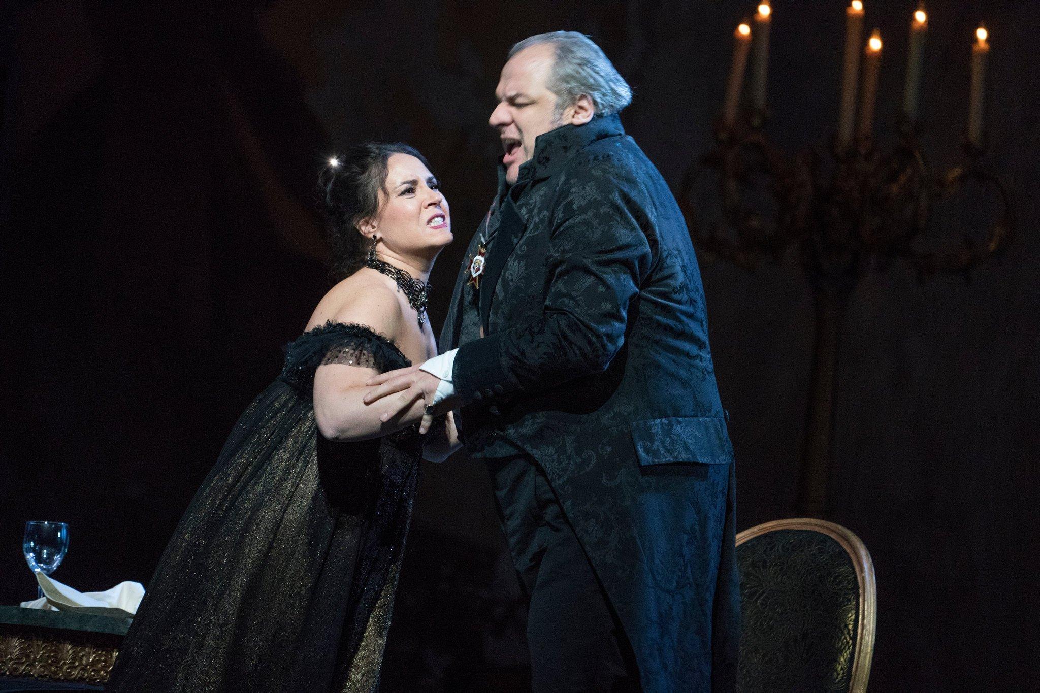 Hoy Frizza regresa a la Opera Nacional de París