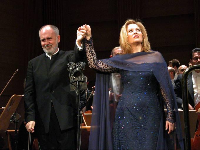 Nuestro concierto del mes dedicado a J. López Cobos