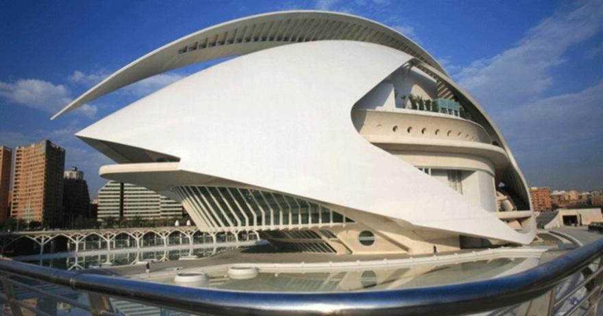 ¿Abocado al naufragio el Palau de les Arts?