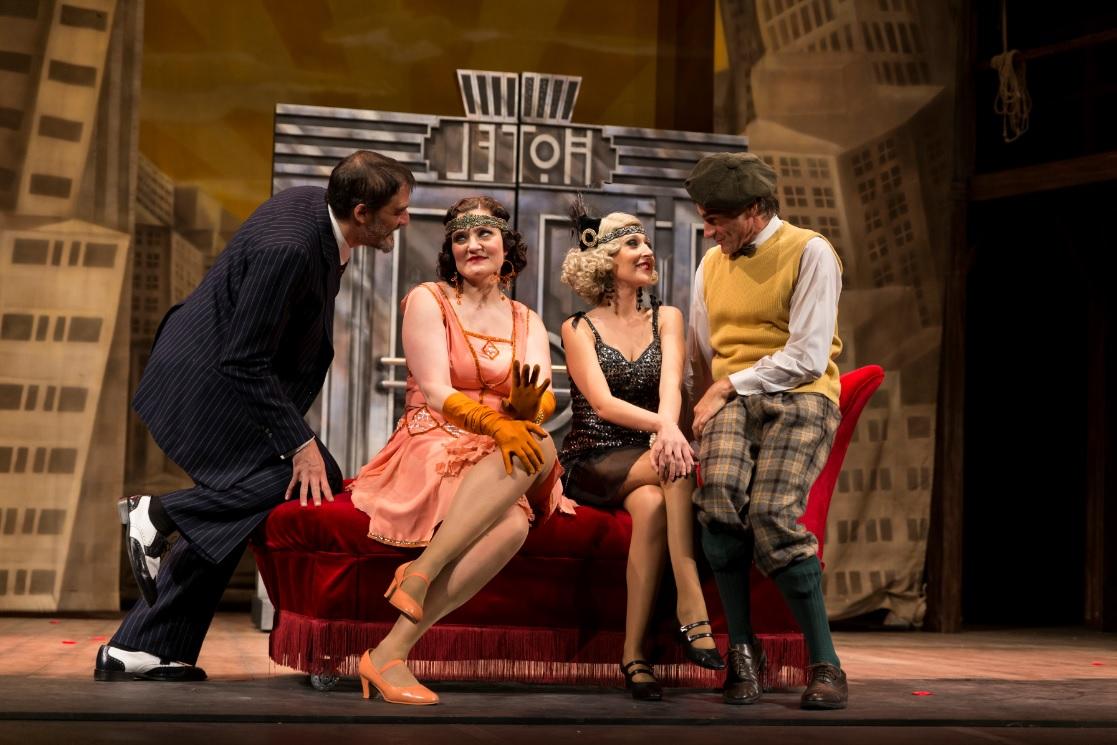 Crítica: Tres estrenos y aún más en el Palau valenciano