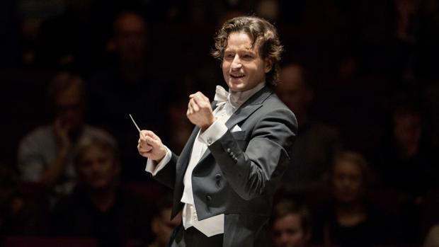 Gustavo Gimeno, nuevo hito en su carreracon la Misa Solemnede Rossini