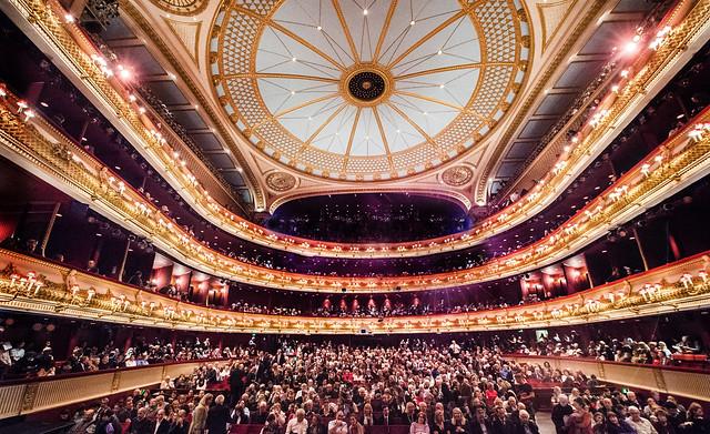 Reino Unido inyecta un billón y medio de libras para salvar al sector cultural