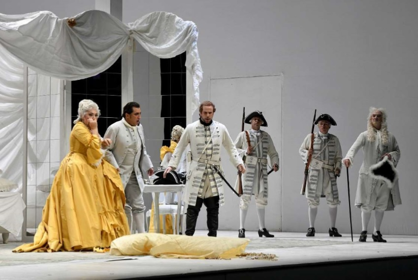 Crítica: excelente dirección de Rattle en Manon Lescaut