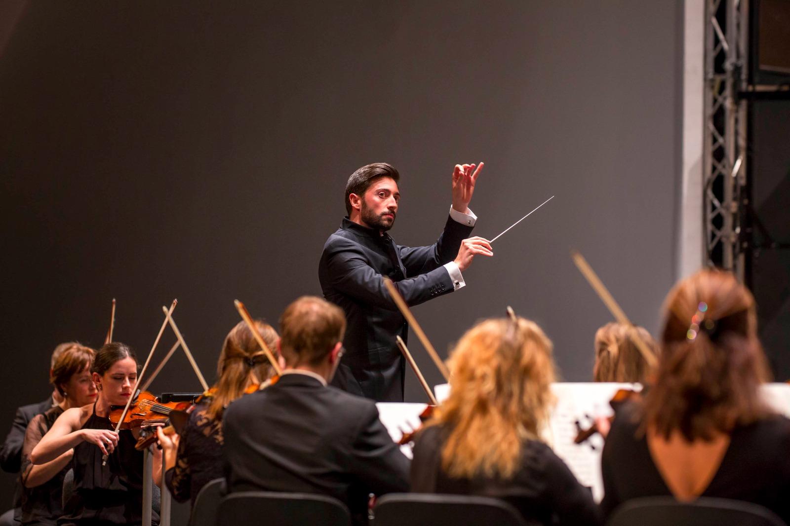 Antonio Méndez despide la temporada de la OST con Brahms