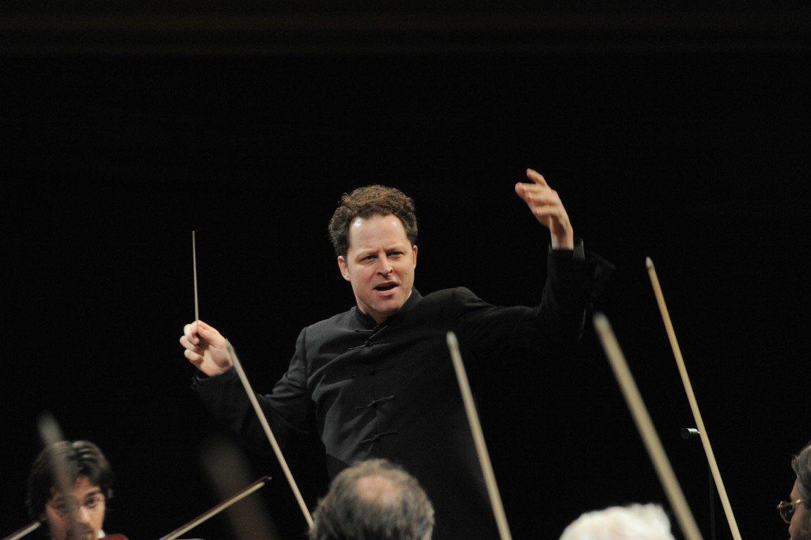 Crítica: Axelrod dirige la Orquesta y Coro de RTVE