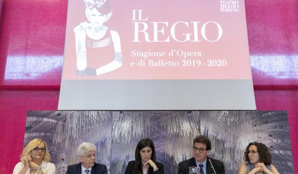 Abucheos en la presentación de temporada del Regio de Turín