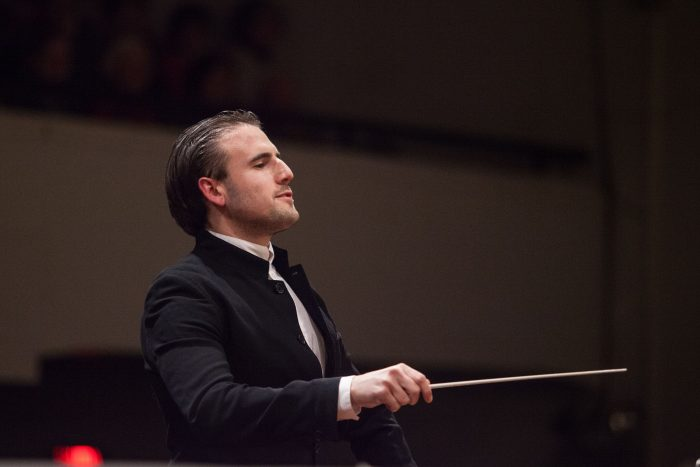 François López-Ferrer dirige Brahms y Elgar junto a la Sinfónica de Navarra