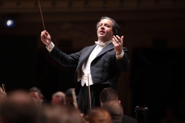 Juanjo Mena cancela su concierto con la Sinfónica de Navarra