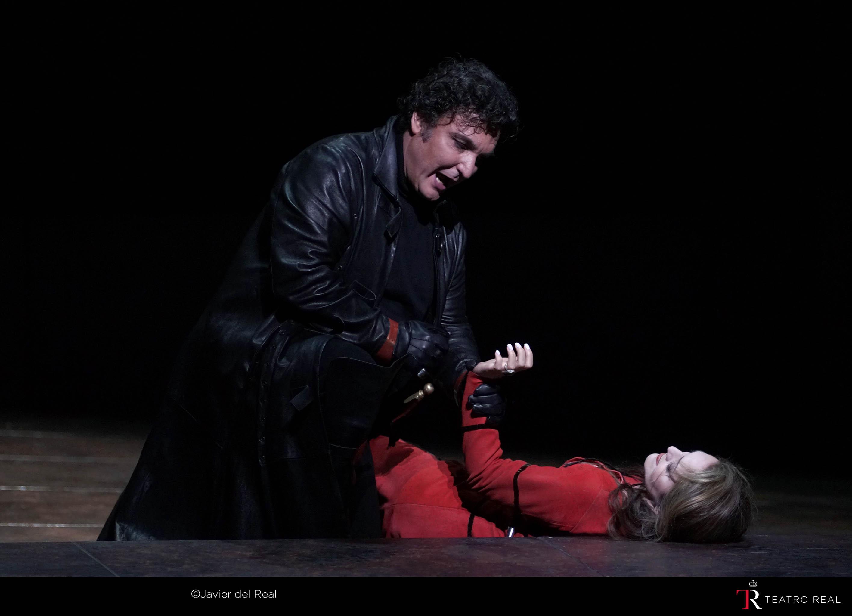 escena-il-trovatore-teatro-real-2019