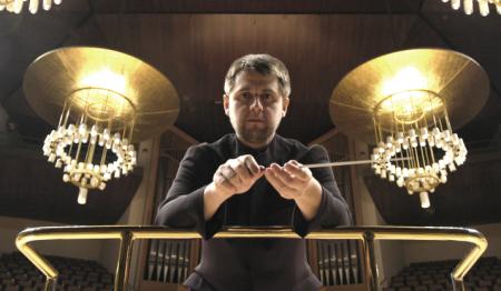 El gerente de la Orquesta de la RTVE sustituye al director de su coro