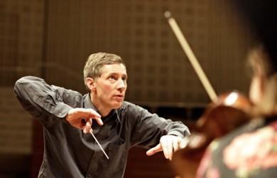 James Gaffigan dirige el Requiem de Brahms en Les Arts