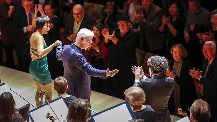 "Deutsche Grammophon publica ""Must the Devil have all the good tunes?"" de John Adams"