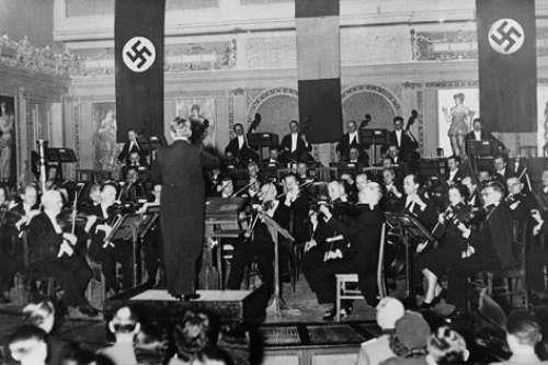 Polémica sobre el cambio por los nazis a la afinación musical. Piero Cappuccilli muestra el efecto