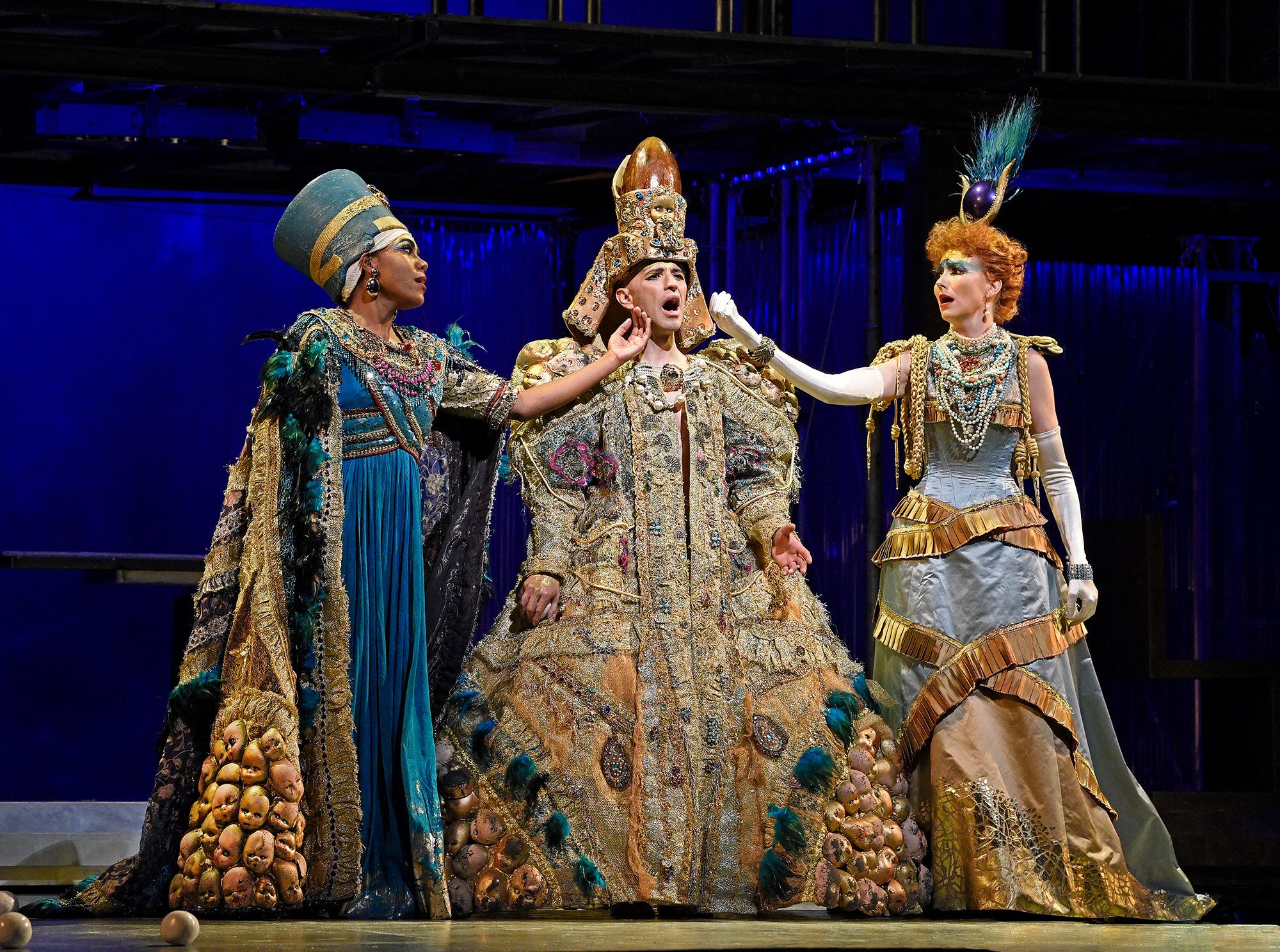 escena-akhnaten-metropolitan-opera