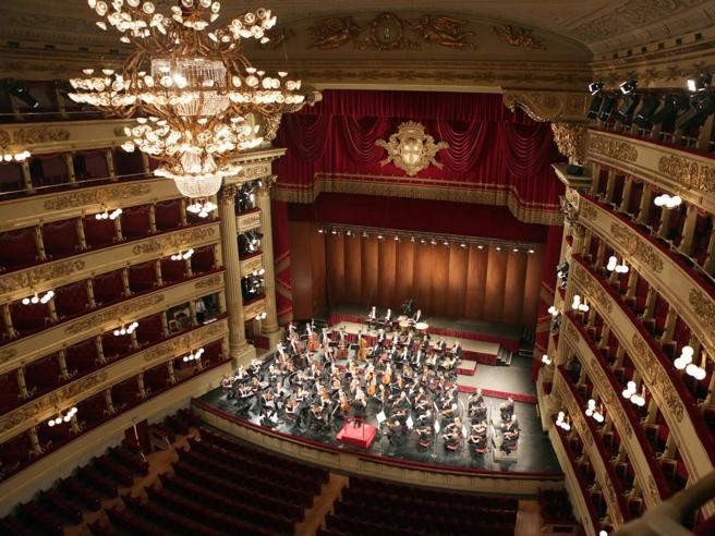 La Scala: Trabajar a puerta cerrada antes que dejar de trabajar
