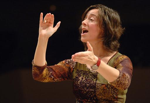 Mireia Barrera dirige al coro de la ORCAM en el IV concierto del Ciclo de Polifonía