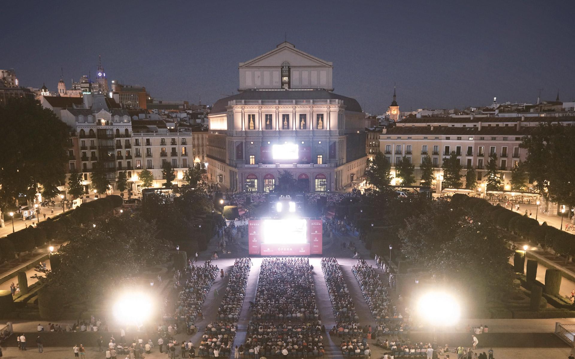 El Teatro Real retransmite la Novena de Beethoven con Dudamel y Tosca al aire libre