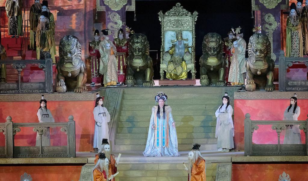 Critica: Netrebko es Turandot en Verona