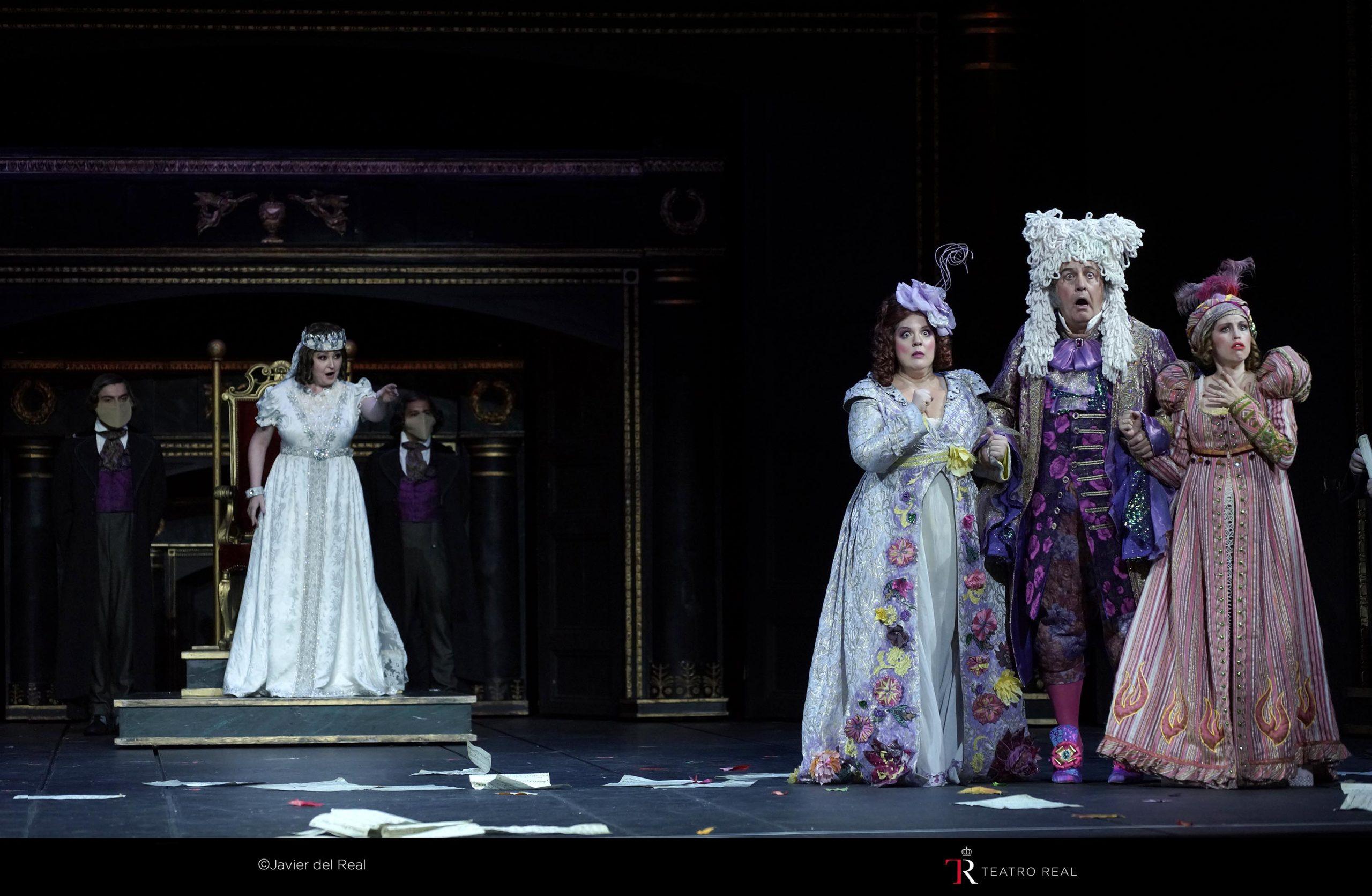 Crítica: La Cenerentola en el Teatro Real. Mucha parodia y poca magia