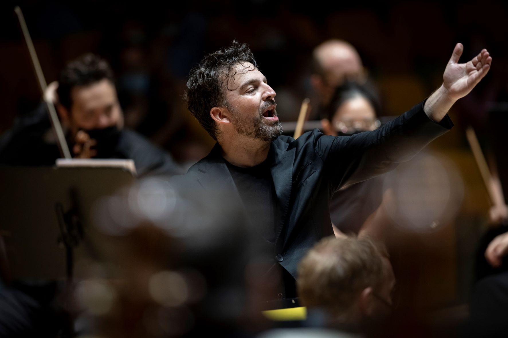 Crítica: Prometedor inicio de la Orquestra de la Comunitat Valenciana con James Gaffigan