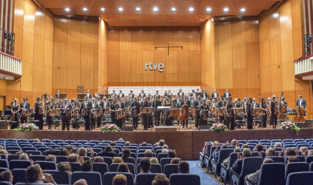 Joana Carneiro recibe a Sarah Connolly en su primer concierto de la temporada con la Real Filharmonía de Galicia como principal directora invitada